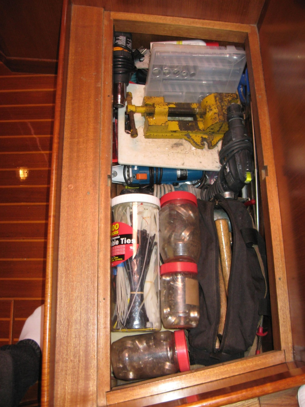 Click image for larger version  Name:Tool Storage.jpg Views:247 Size:426.3 KB ID:19352