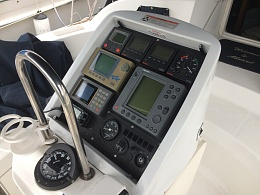 Click image for larger version  Name:instruments &  radar display on console at helm.jpg Views:23 Size:412.3 KB ID:195555