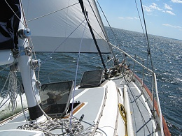Click image for larger version  Name:sailing_015.jpg Views:94 Size:428.3 KB ID:19697