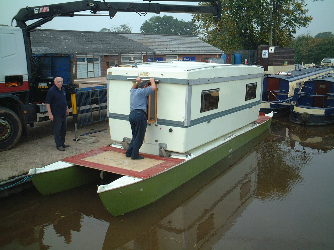 Click image for larger version  Name:boat house cat dunno wot it is.JPG Views:233 Size:267.5 KB ID:19712
