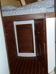 Click image for larger version  Name:v-berth cabinet.jpg Views:254 Size:88.5 KB ID:197508