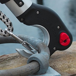 Click image for larger version  Name:Hook-Moor-Boat-Hook-2m65ft-Telescoping-for-Boat-Mooring-Cleat-Ring-Post-Bouy-0.jpg Views:145 Size:38.9 KB ID:200120