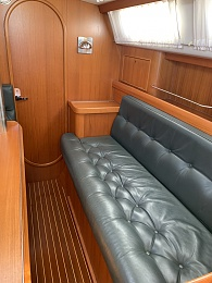 Click image for larger version  Name:Starboard salon.jpg Views:126 Size:413.2 KB ID:200463