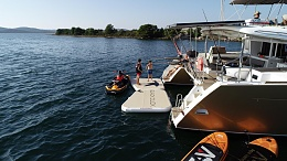 Click image for larger version  Name:Black Duck yacht beach1.jpg Views:344 Size:195.8 KB ID:203189