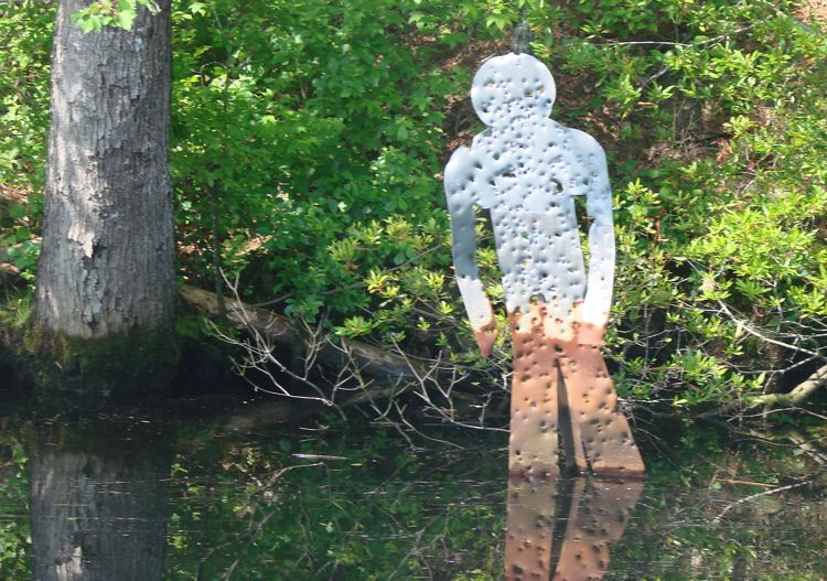 Click image for larger version  Name:Flat Stanley on the ICW.jpg Views:66 Size:113.6 KB ID:20458
