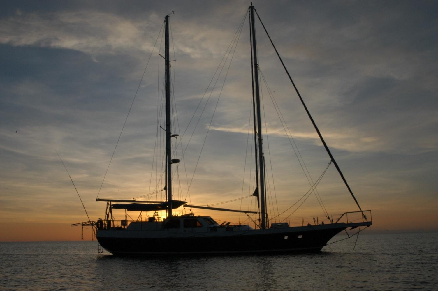 Click image for larger version  Name:Banton Sunset sm.jpg Views:171 Size:328.2 KB ID:20748