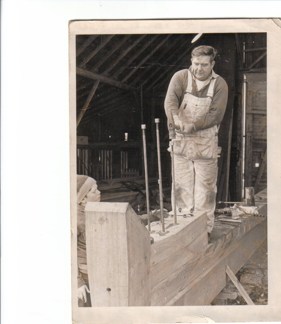 Click image for larger version  Name:Jess Bill hammer.jpg Views:86 Size:260.1 KB ID:20810