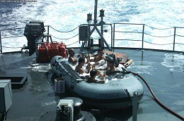 Click image for larger version  Name:Navy bathtime Portuguese style.jpg Views:192 Size:98.1 KB ID:21230