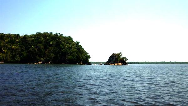 Click image for larger version  Name:Laguna del Diamente.jpg Views:339 Size:39.4 KB ID:21686