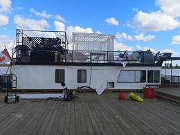 Click image for larger version  Name:Admiral houseboat.jpeg Views:186 Size:92.1 KB ID:219370