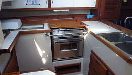 Click image for larger version  Name:C36 kitchen.jpg Views:161 Size:145.1 KB ID:220187