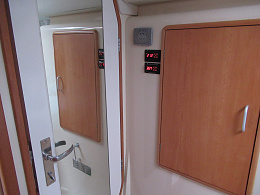 Click image for larger version  Name:Port Rear Stateroom 3.jpg Views:180 Size:395.6 KB ID:222491
