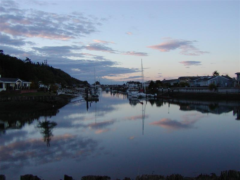 Click image for larger version  Name:Canal looking south _Med.jpg Views:144 Size:49.4 KB ID:2225
