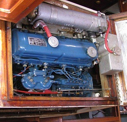 Click image for larger version  Name:engine-top.jpg Views:314 Size:121.9 KB ID:22489