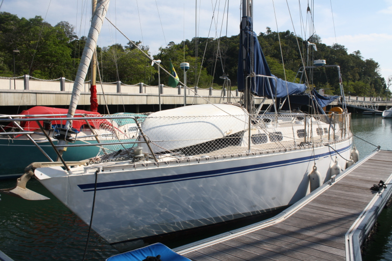 Click image for larger version  Name:port side at wharf.jpg Views:263 Size:321.4 KB ID:22744