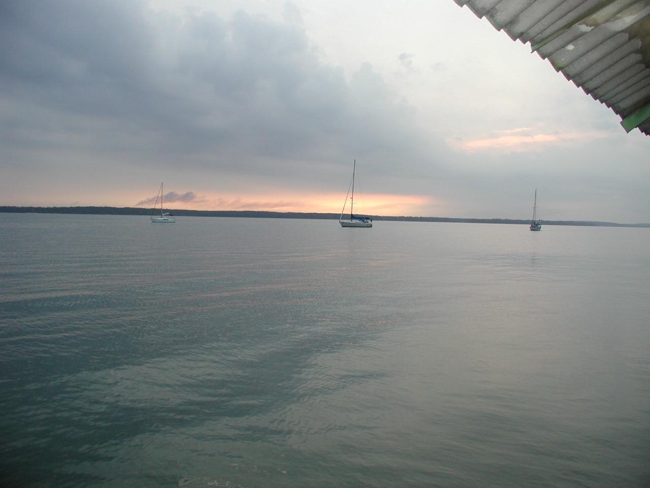 Click image for larger version  Name:Johore SunJPG.jpg Views:100 Size:206.6 KB ID:2294