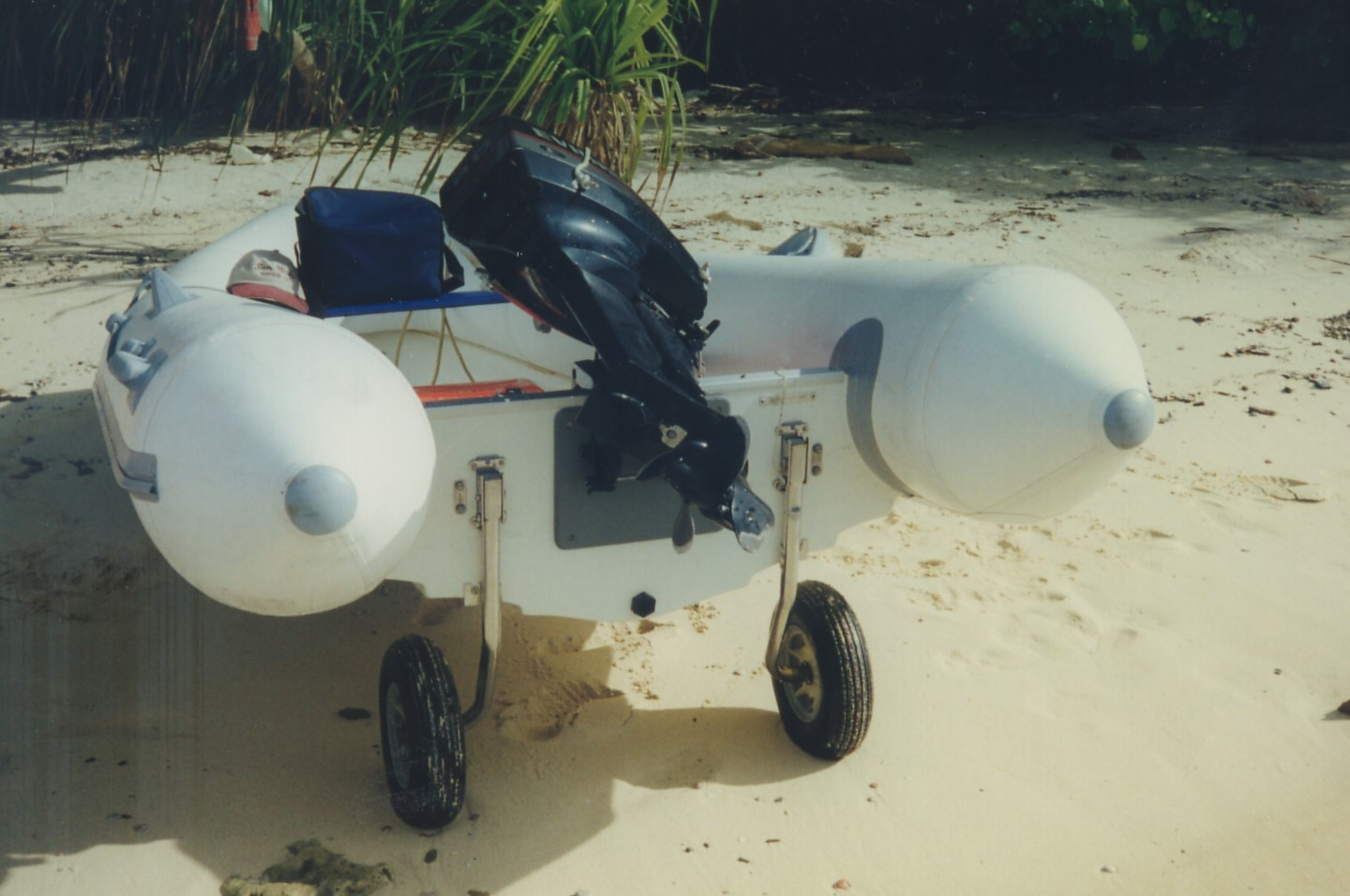 Click image for larger version  Name:Dinghy on the Beach.jpg Views:155 Size:191.3 KB ID:22991