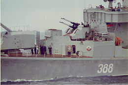 Click image for larger version  Name:Russian Ship in the Med Easter Sunday  5.jpg Views:117 Size:405.7 KB ID:236161