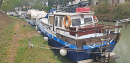 Click image for larger version  Name:African queen boat.jpg Views:24 Size:328.0 KB ID:236313