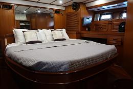 Click image for larger version  Name:Aft Cabin bed. PORTJPG.jpg Views:394 Size:408.8 KB ID:236366