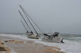 Click image for larger version  Name:boat on beach2.jpg Views:121 Size:4.5 KB ID:242028