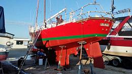 Click image for larger version  Name:exterior-hull-aft-port-quarter.jpg Views:48 Size:97.4 KB ID:243071