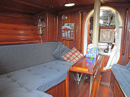 Click image for larger version  Name:main cabin - port side.jpg Views:50 Size:96.8 KB ID:243072