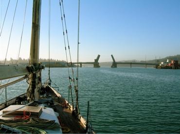Click image for larger version  Name:draw bridge.JPG Views:107 Size:57.9 KB ID:2459