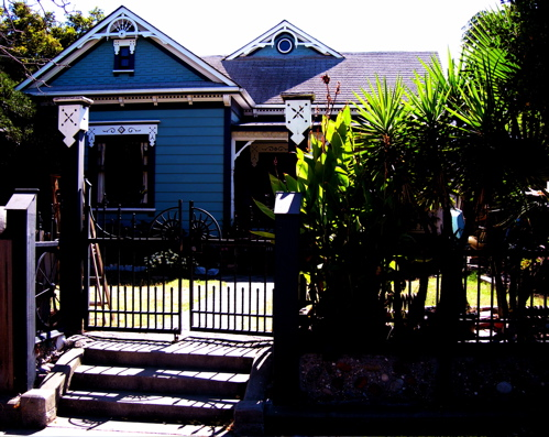 Click image for larger version  Name:DD5 House.jpg Views:109 Size:146.5 KB ID:2466