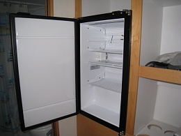 Click image for larger version  Name:freezer install 002.jpg Views:251 Size:110.3 KB ID:25289