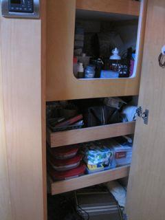 Click image for larger version  Name:MBR-Cabinet-Shelves.jpg Views:133 Size:15.7 KB ID:28165