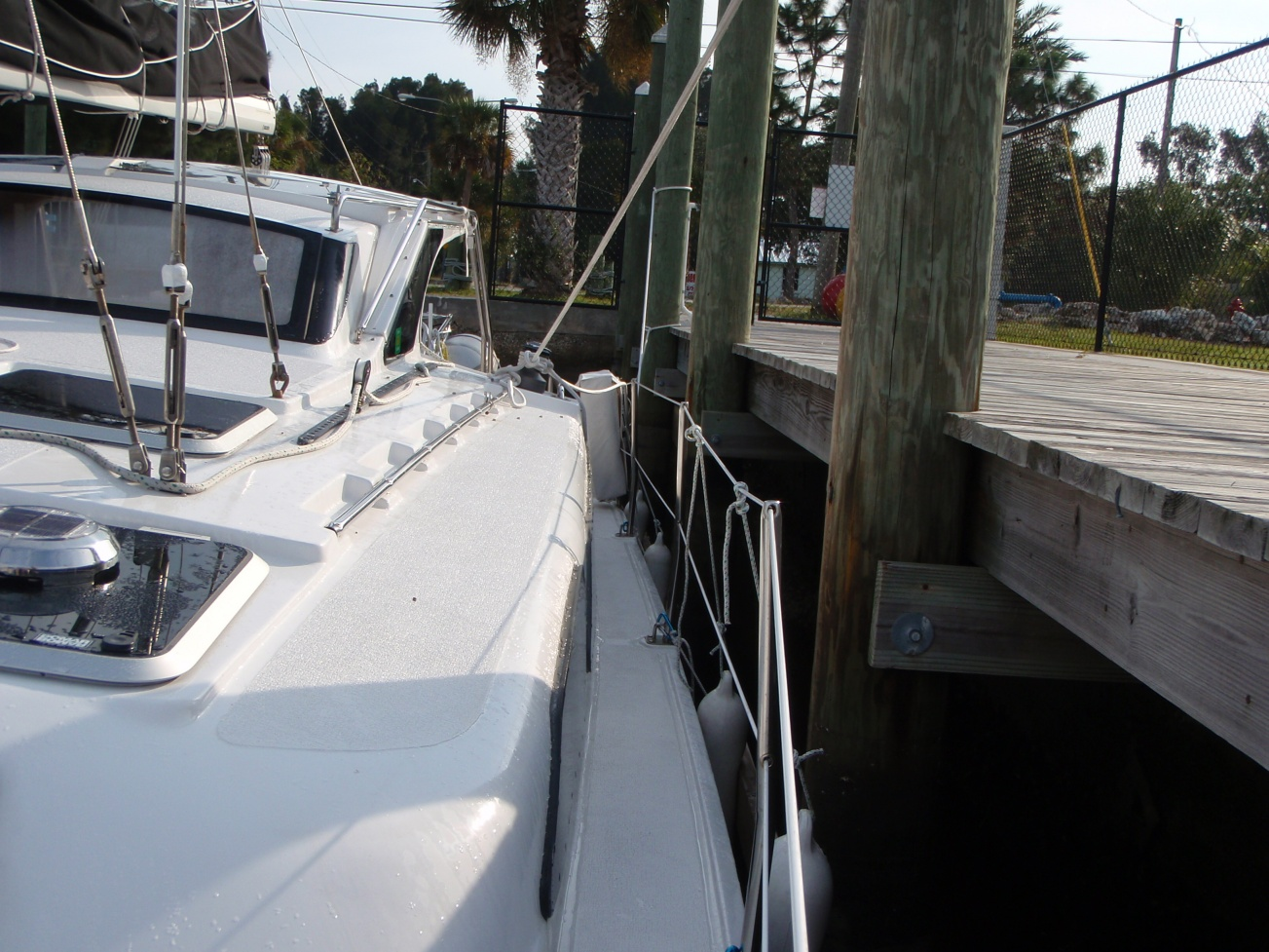 Click image for larger version  Name:Dock at low tide05.jpg.jpg Views:121 Size:425.2 KB ID:29308