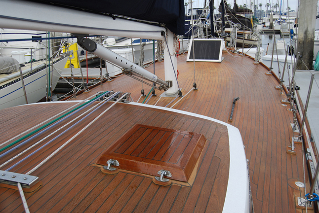 Click image for larger version  Name:starboard view forward.jpg Views:1192 Size:353.2 KB ID:2956