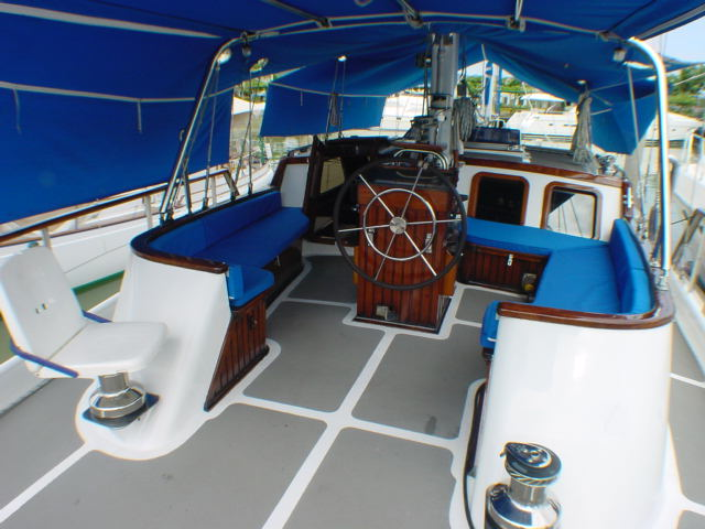 Click image for larger version  Name:cockpit.JPG Views:77 Size:59.7 KB ID:3049