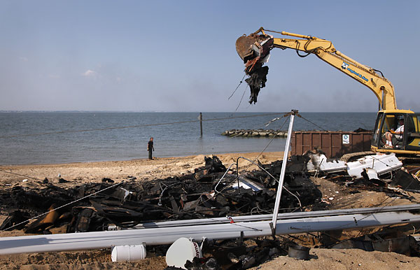 Click image for larger version  Name:Burnt Boat Removed.jpg Views:126 Size:65.3 KB ID:31679