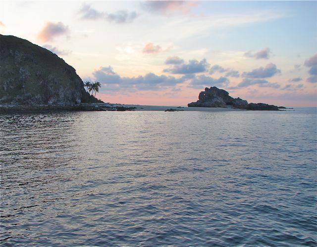 Click image for larger version  Name:PulauGoalSunset.jpg Views:140 Size:67.8 KB ID:31791