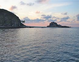 Click image for larger version  Name:PulauGoalSunset.jpg Views:157 Size:67.8 KB ID:31791