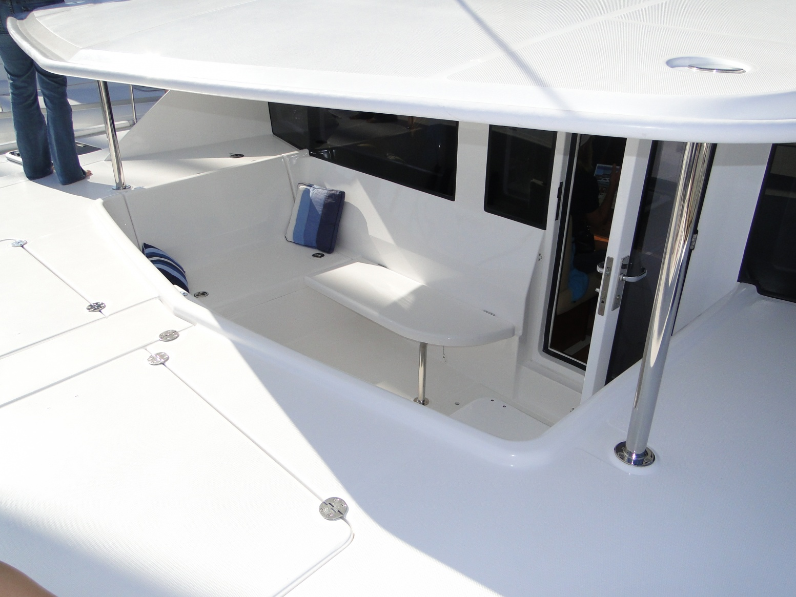 Click image for larger version  Name:Leopard 44 Front Porch 3.jpg Views:641 Size:400.6 KB ID:32510