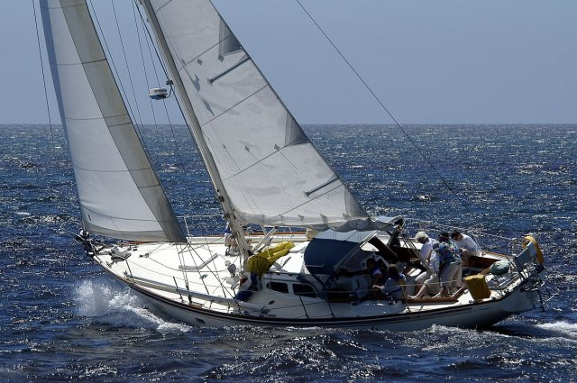 Click image for larger version  Name:Fastnet45002.jpg Views:148 Size:81.9 KB ID:33186