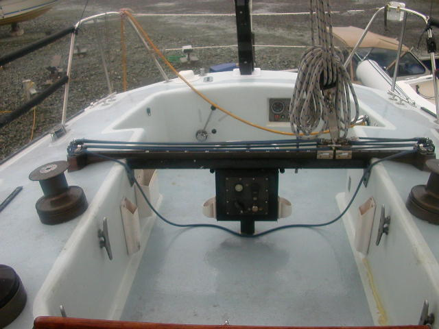 Click image for larger version  Name:cockpit.JPG Views:158 Size:78.0 KB ID:33446