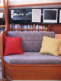 Click image for larger version  Name:loveseatsettee.jpg Views:208 Size:93.4 KB ID:335