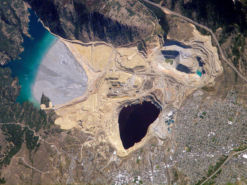 Click image for larger version  Name:800px-Berkeley_Pit_Butte,_Montana.jpg Views:66 Size:181.2 KB ID:35911