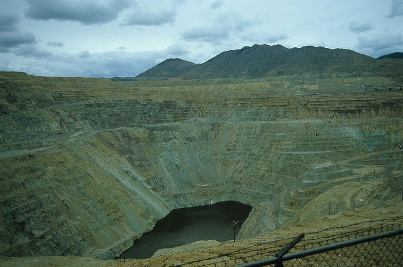 Click image for larger version  Name:800px-Berkeley_pit1984.jpg Views:57 Size:75.8 KB ID:35912