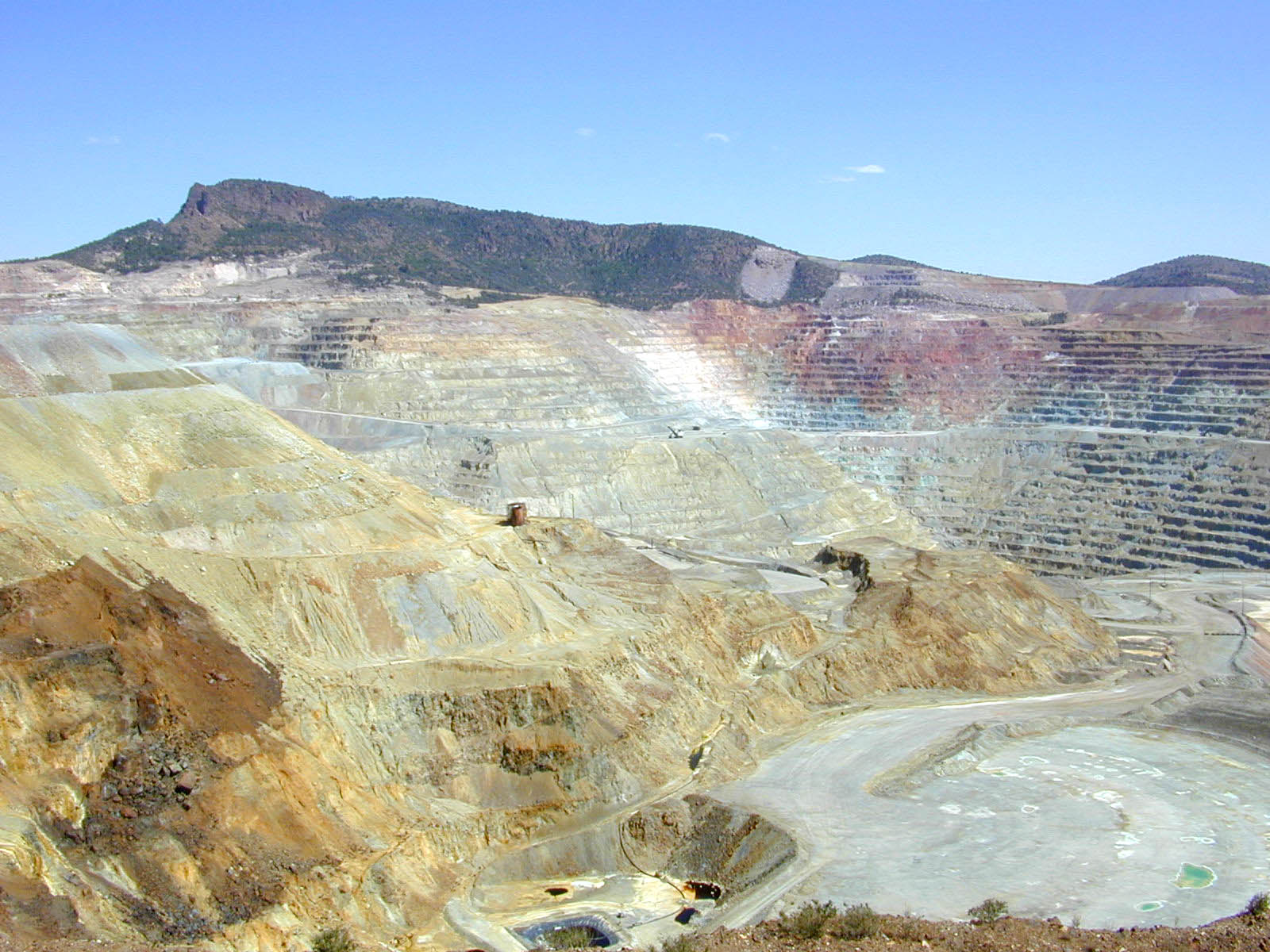 Click image for larger version  Name:Chino_copper_mine.jpg Views:54 Size:306.6 KB ID:35913