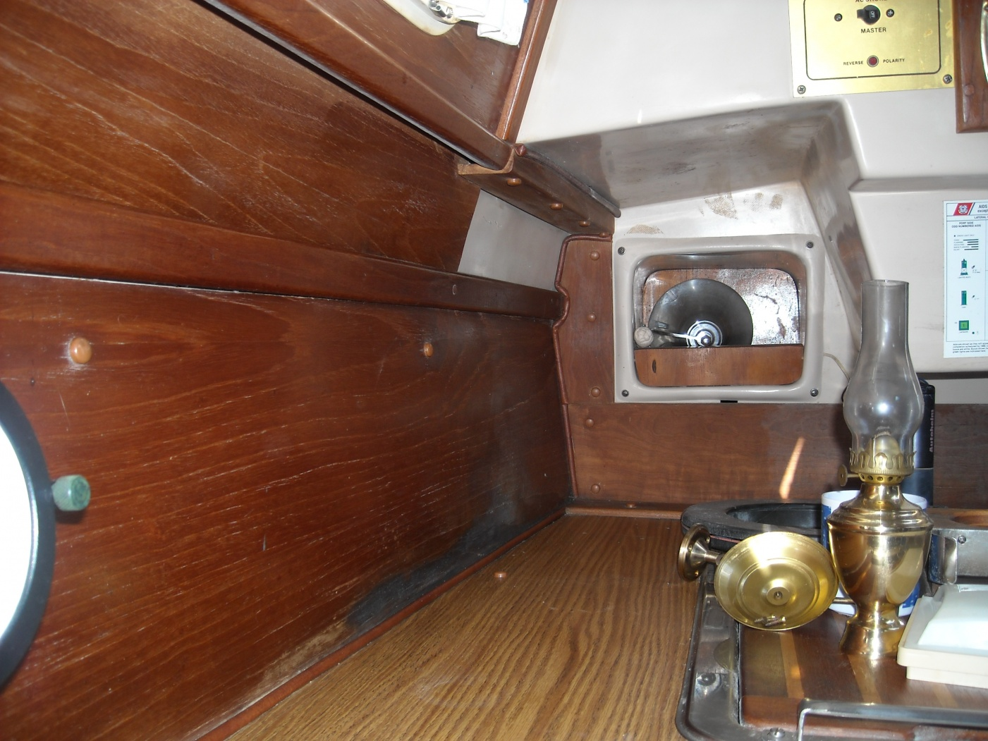 Click image for larger version  Name:HULL DECK SEAM 040.jpg Views:84 Size:420.0 KB ID:36904
