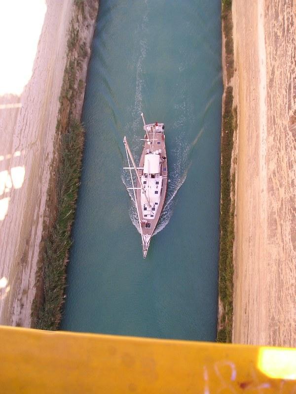 Click image for larger version  Name:CorinthCanal-Sailboat.JPG Views:290 Size:65.2 KB ID:3730