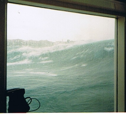 Click image for larger version  Name:ferry_wave_100dpi_02.jpg Views:156 Size:34.3 KB ID:3893