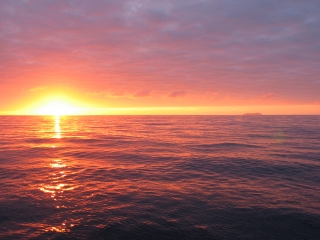 Click image for larger version  Name:sunset.jpg Views:90 Size:56.9 KB ID:39539