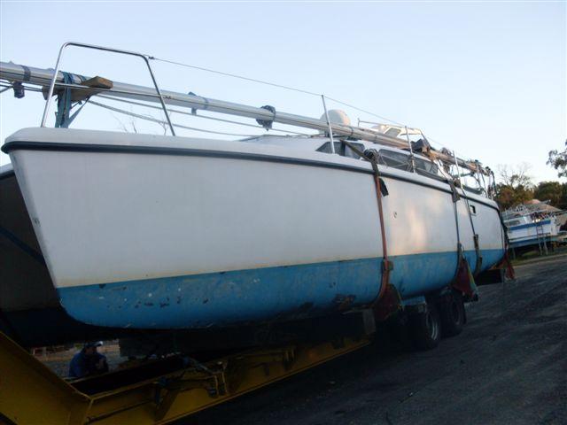 Click image for larger version  Name:Boat on Truck and blocks at Yaringa, 23.jpg Views:151 Size:37.8 KB ID:40254