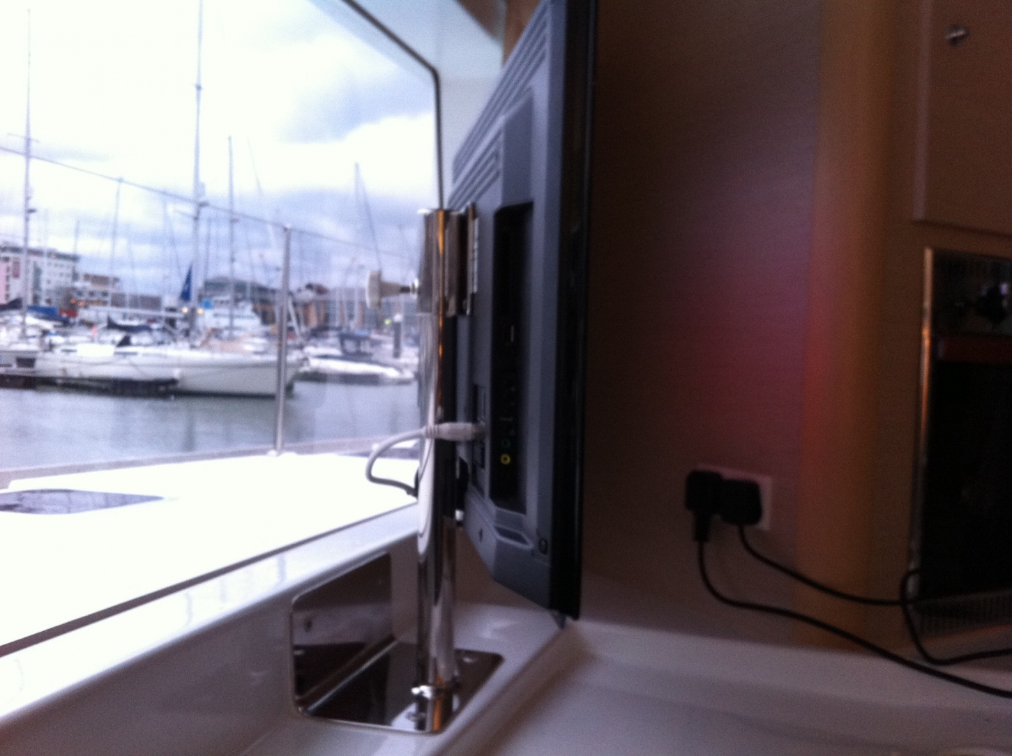 Click image for larger version  Name:boat tv pics 005.jpg Views:193 Size:397.0 KB ID:40517